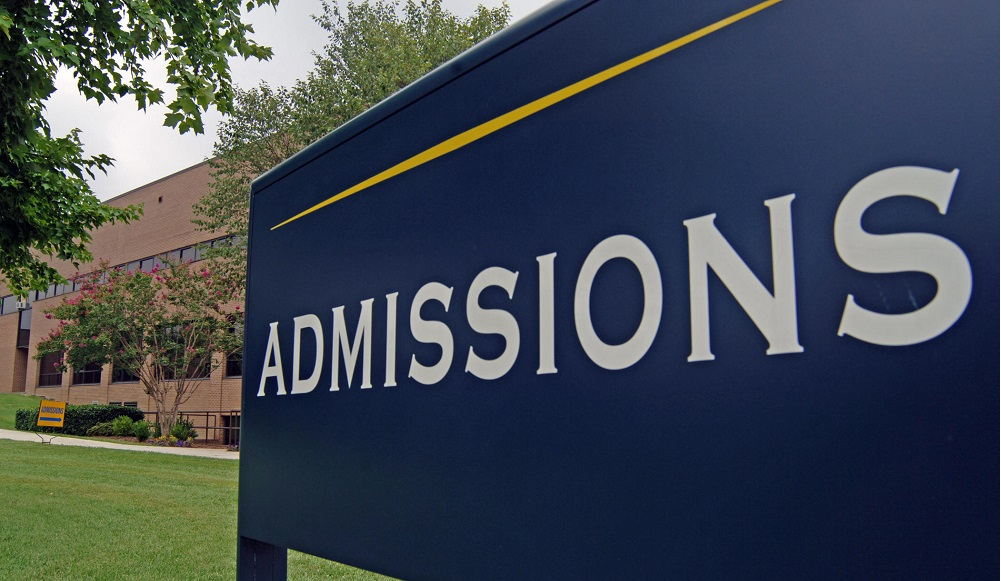 Photo of Apply to US Universities without GRE and GMAT